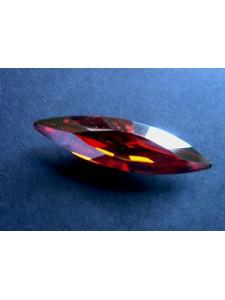 Swar Navette 48x13mm Red Magma